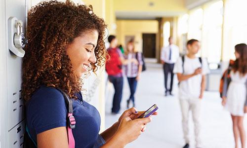 Student using Choosi App